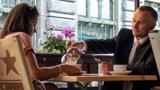 Летний пикап в центре города хорош тем, что можно сразу после обмена номерами телефонов присесть на открытой веранде ближайшего кафе и спокойно пообщаться, зарядиться позитивными эмоциями и узнать очаровательную незнакомку ближе.
