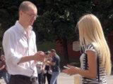 Летний пикап блондинки на тренинге знакомства