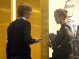 После записи номера девушки предложите ей пройти в ближайшее кафе