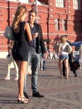 Пикап в Москве: знакомство с загорелой красавицей