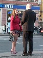 Общение с незнакомкой на тротуаре Невского проспекта