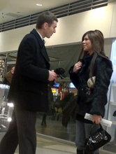 Флирт с девушкой в торговом центре