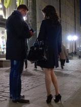 Если девушка игриво настроена при знакомстве, сразу ведите ее на свидание