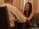 Первое свидание: общение за столиком в кафе