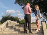 Пикап в Минске: знакомство на лестнице