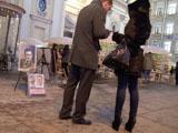 Зимнее уличное знакомство на Невском проспекте